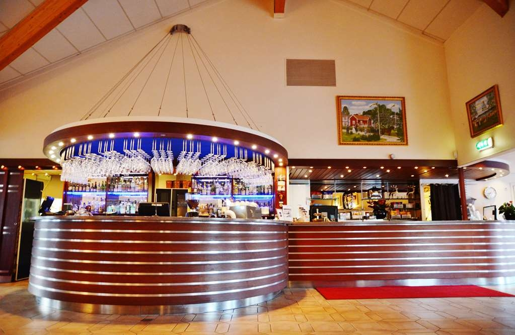 Best Western Arlanda Hotellby - Bar and frontdesk