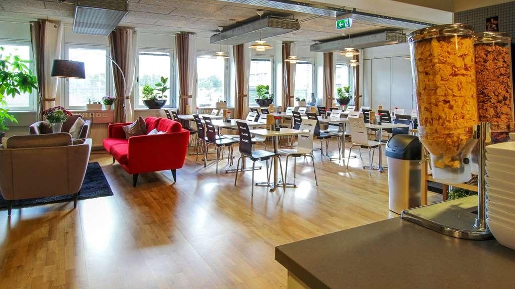 Best Western Hotel Danderyd - Breakfast Area - Good morning! Enjoy our generous buffet breakfast!