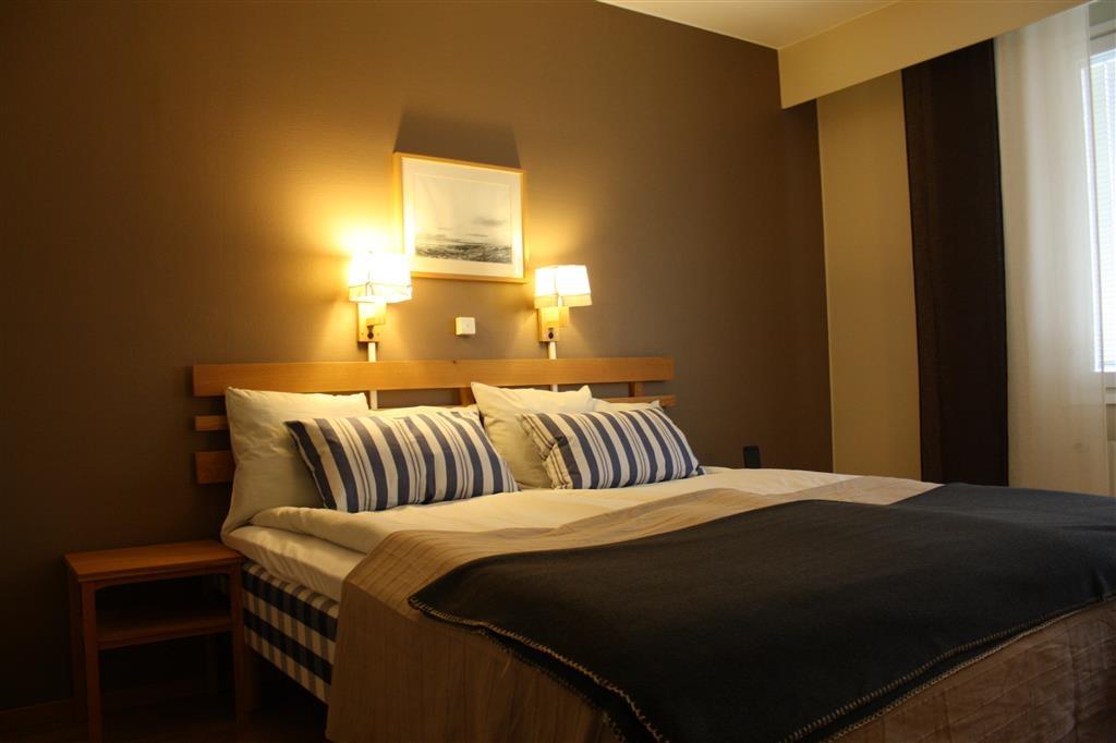 Best Western Fagersta Brukshotell - Habitación con cama de matrimonio grande