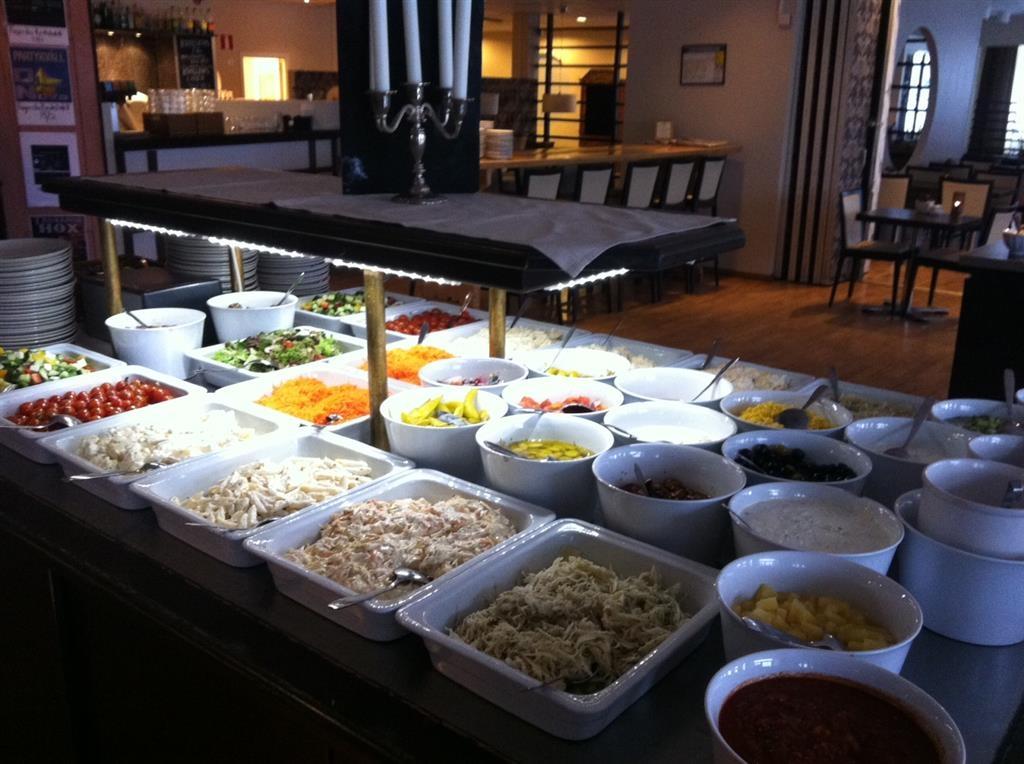 Best Western Fagersta Brukshotell - Lunch served on weekdays 11:00 a.m. to 1:30 p.m.