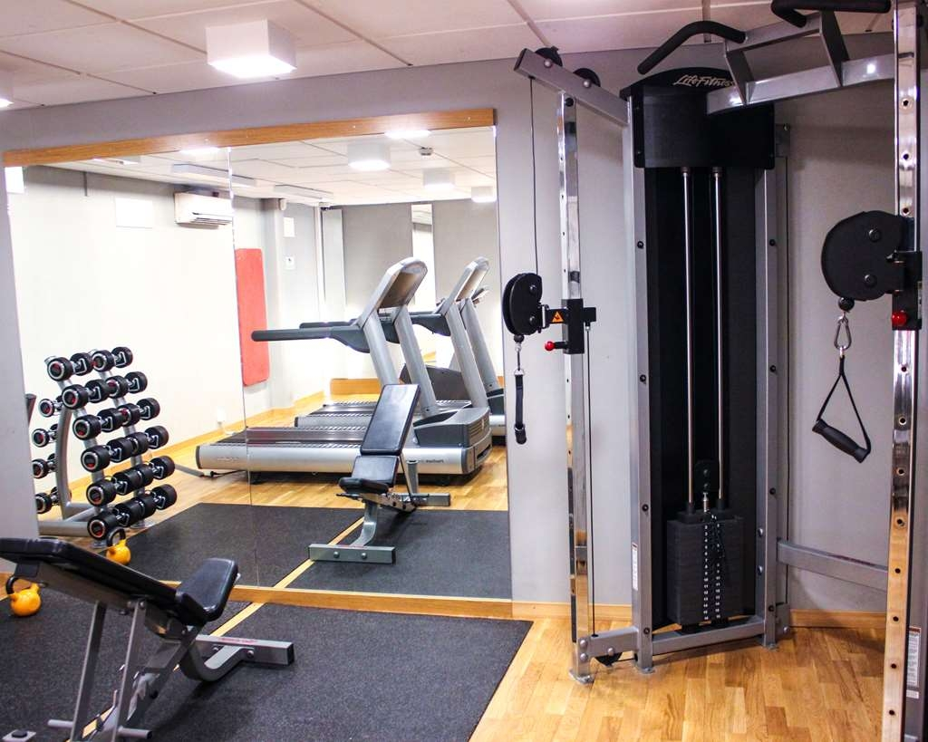Best Western Hotell Karlshamn - Cable-cross in gym.