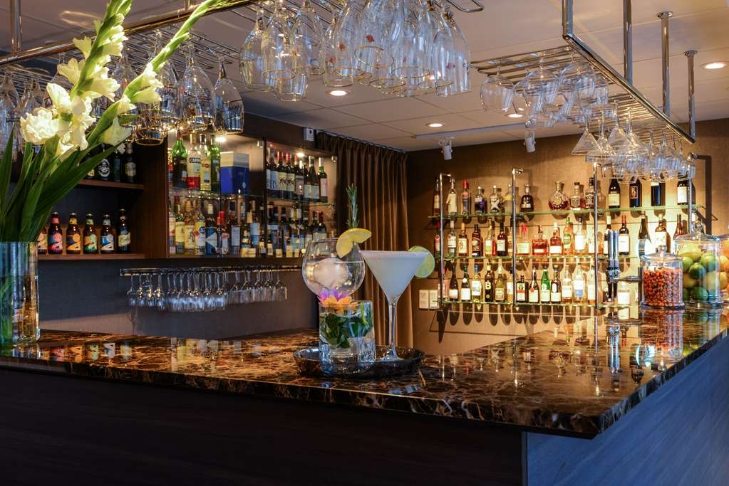 Best Western Plus Park Airport Hotel - Bar / Lounge