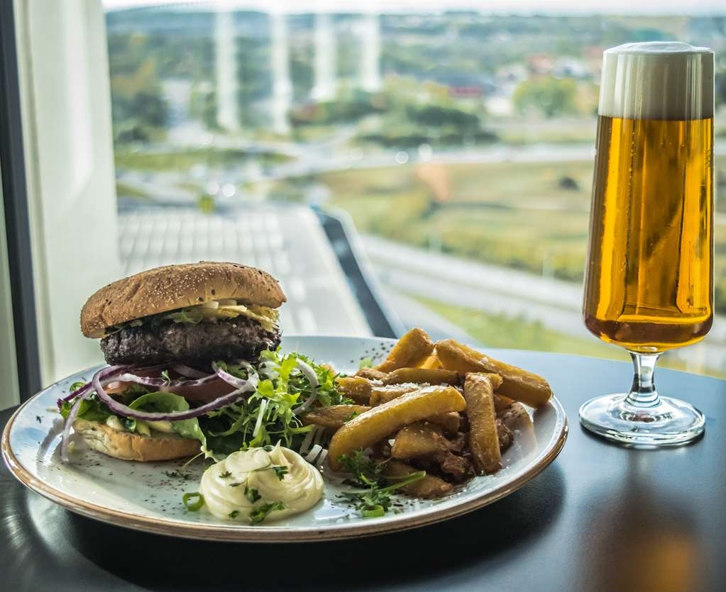 Best Western Malmo Arena Hotel - bar and grill