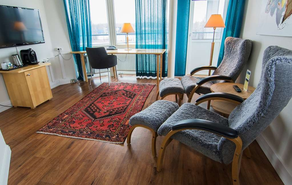 Best Western Eurostop Orebro - On of our Suites, with a bed room, living room and a balcony.