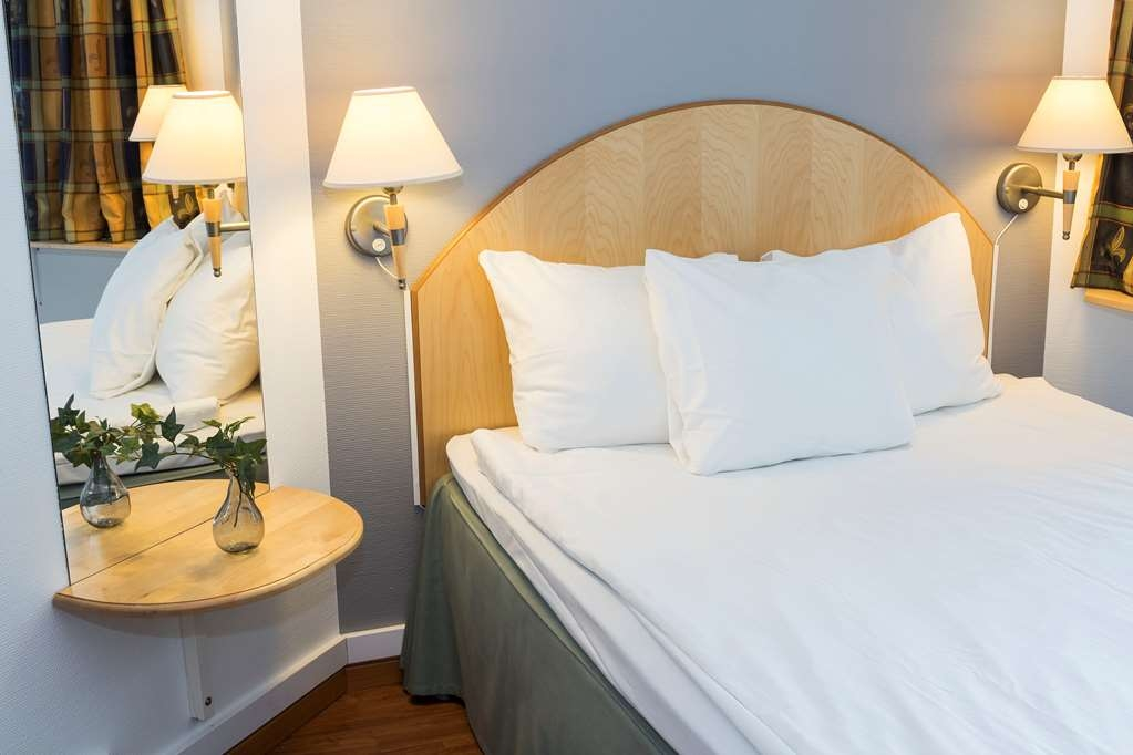 Best Western Eurostop Orebro - Pet-friendly double room with a 140 cm double bed and a bunk bed. Suitable for up to four people.