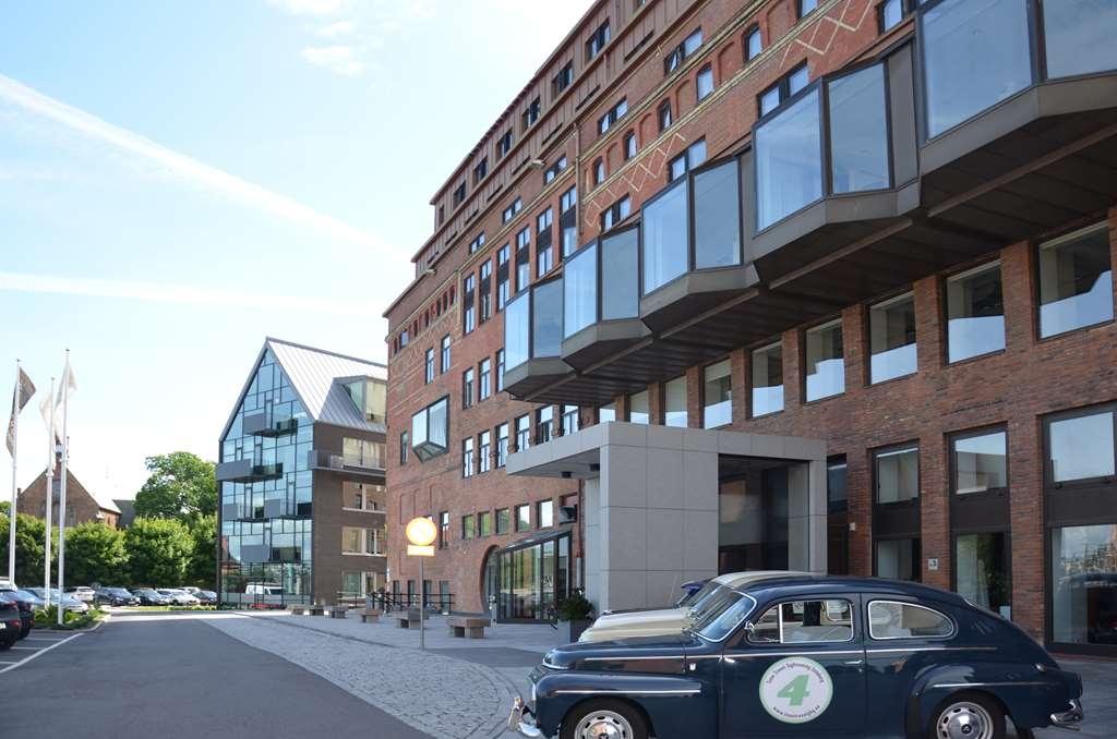 Best Western Plus Waterfront Hotel - Hotel Exterior