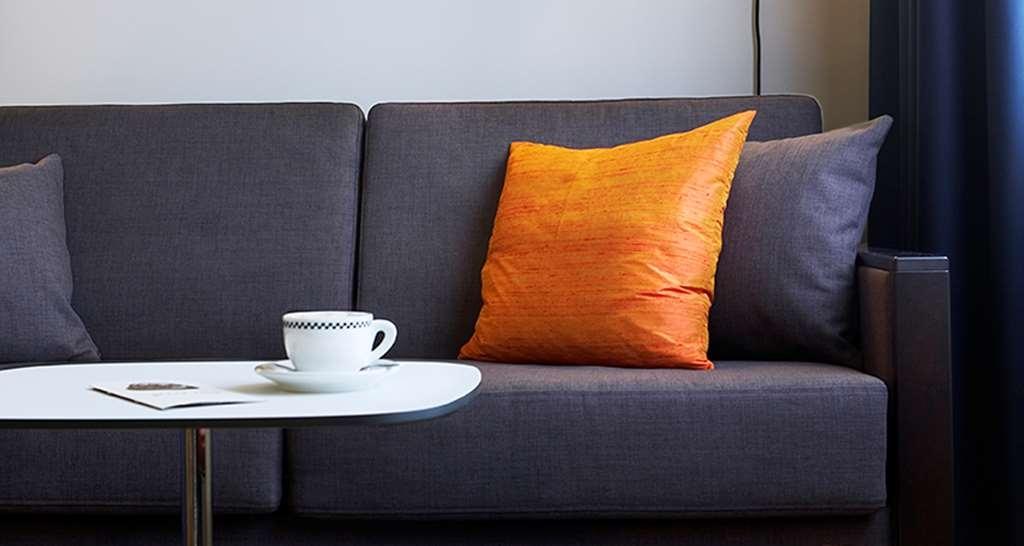 Best Western Plus Waterfront Hotel - Standard Room Sofa