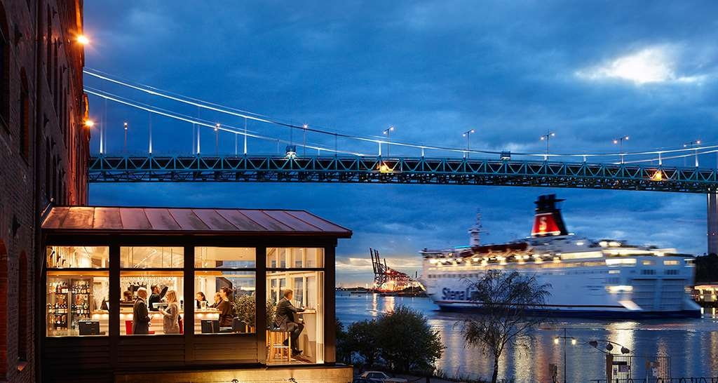Best Western Plus Waterfront Hotel - Bar/Salón