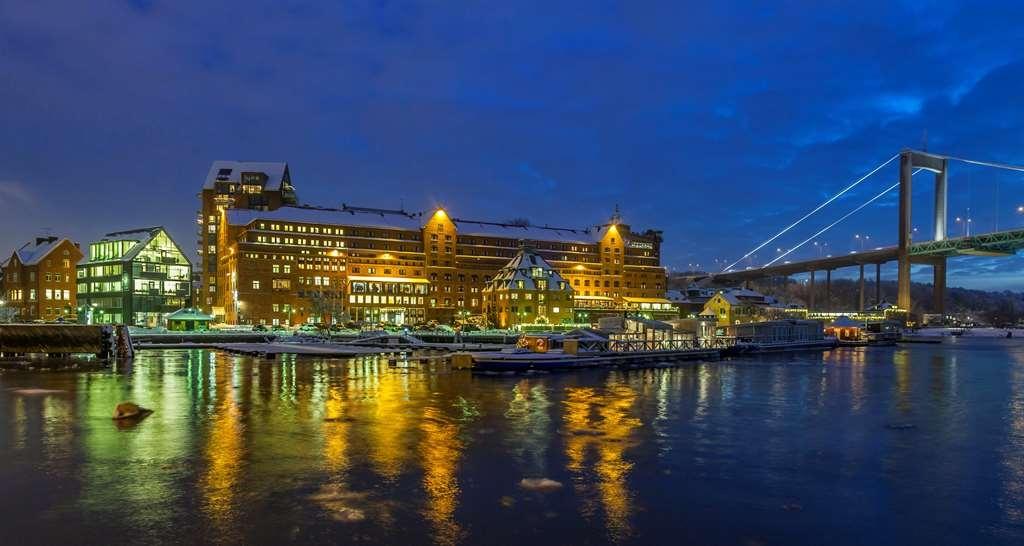 Best Western Plus Waterfront Hotel - Hotel Exterior Evening