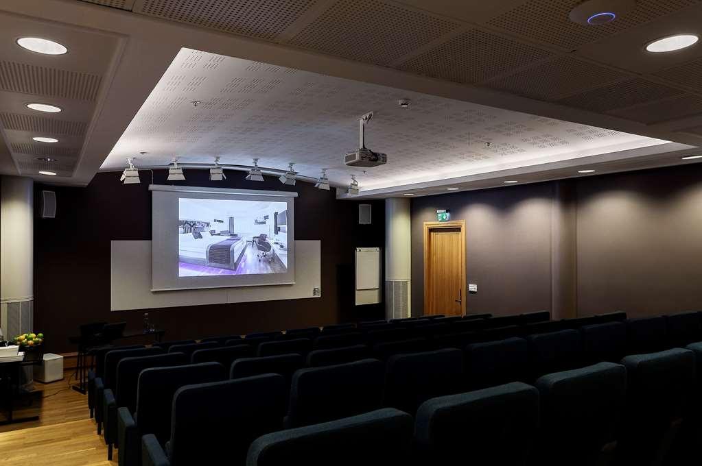 Best Western Stockholm Jarva - Auditorium with Projector