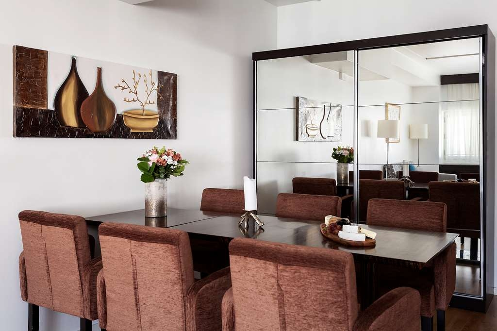 Best Western Stockholm Jarva - Dining Area in the Suite
