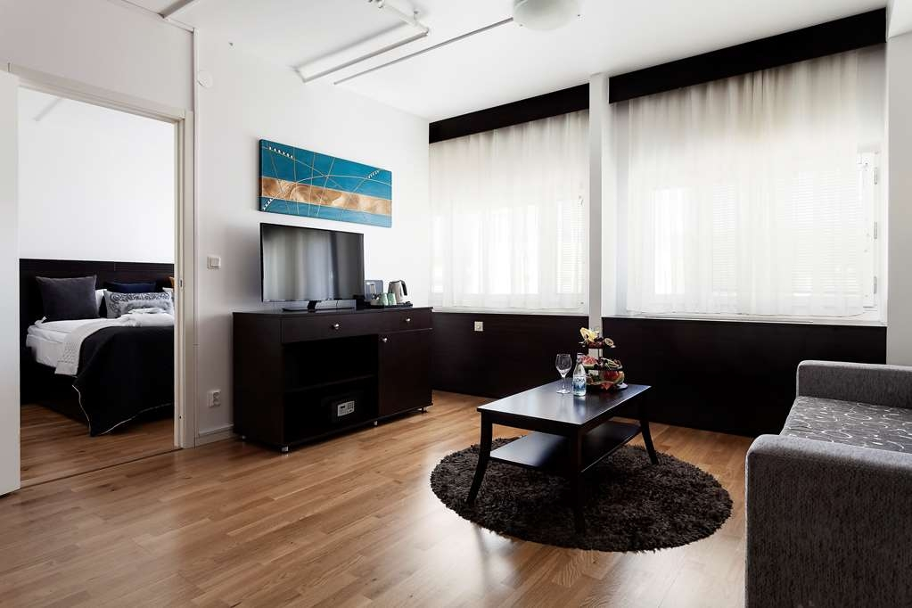 Best Western Stockholm Jarva - Separate Living Room with a Sofabed in the Suite