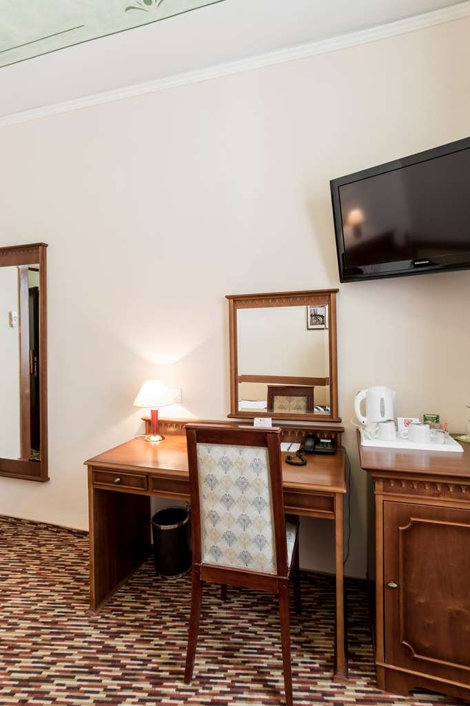 Best Western Plus Hotel Meteor Plaza - Guest room