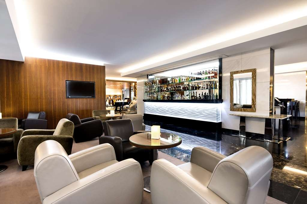 Best Western Premier Hotel International - Bar / Lounge