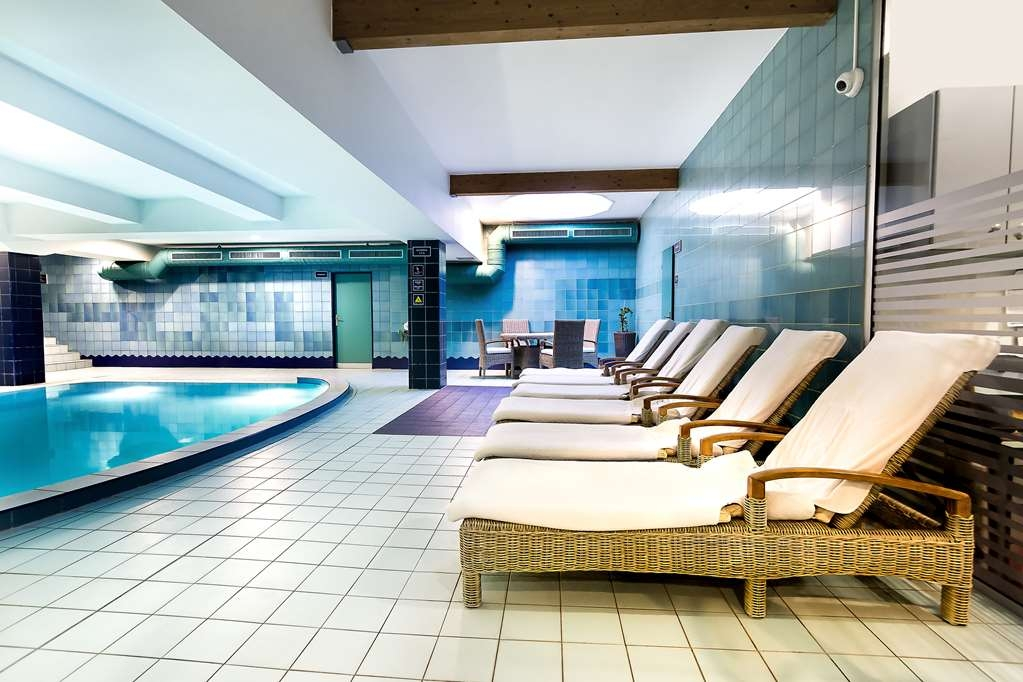 Best Western Premier Hotel International - Vue de la piscine