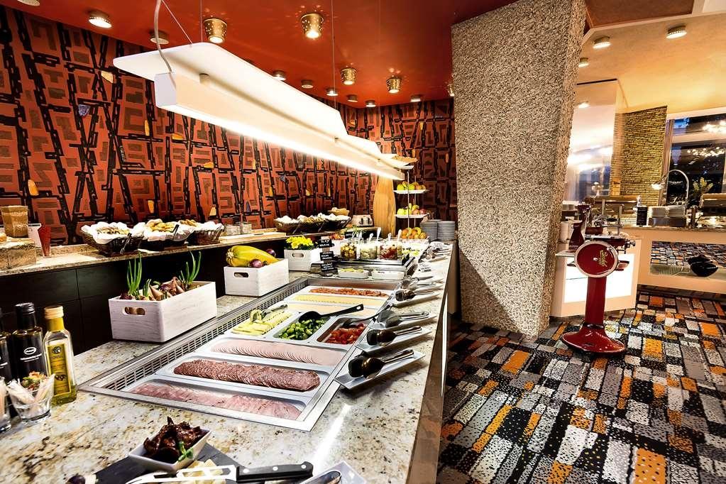 Best Western Premier Hotel International - Breakfast