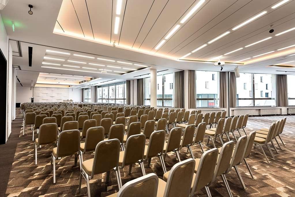 Best Western Premier Hotel International - Conference room