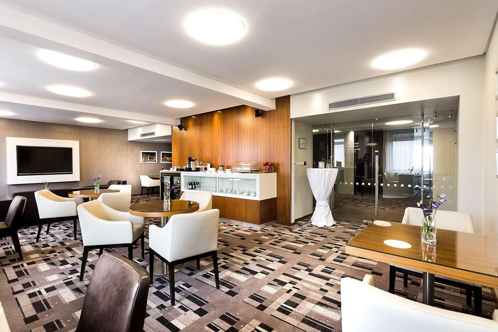 Best Western Premier Hotel International - Bar/ Lounge