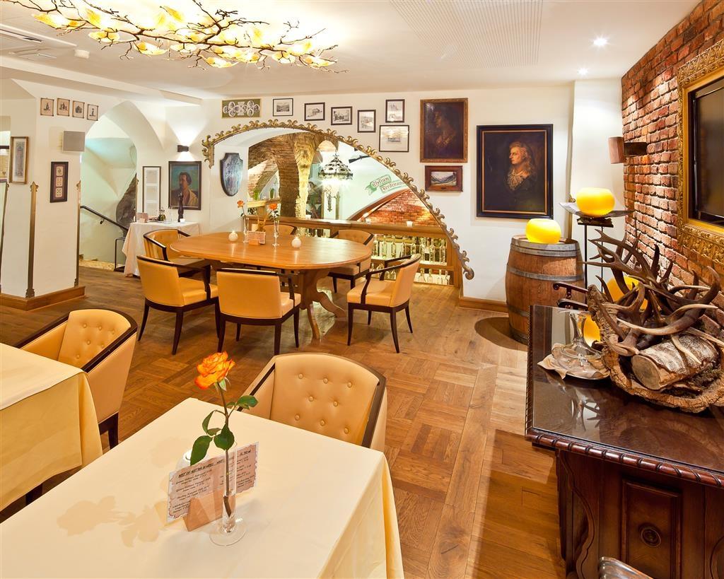 Best Western Plus Hotel Goldener Adler - Restaurant / Etablissement gastronomique