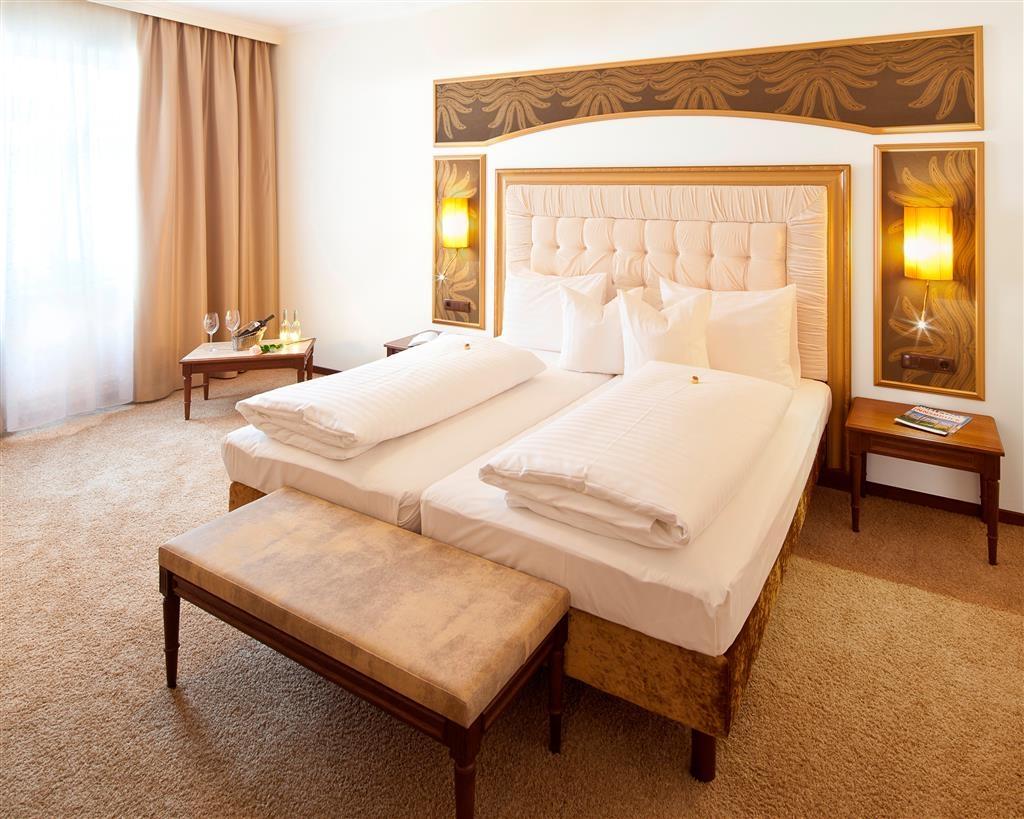 Best Western Plus Hotel Goldener Adler - Klassik Zimmer - Guest Room