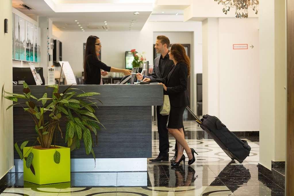 Best Western Plus Hotel Arcadia - Vue du lobby