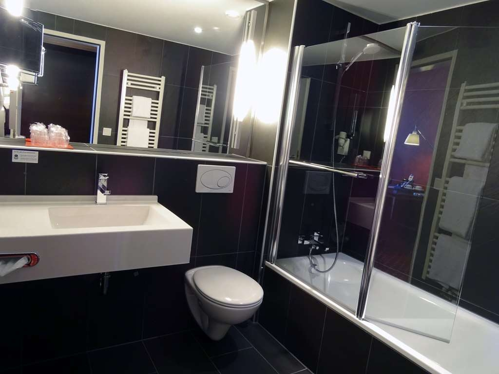 Best Western Amedia Wels - Guest Bathroom
