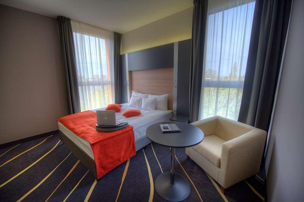 Best Western Plus Lakeside Hotel - Gästezimmer/ Unterkünfte