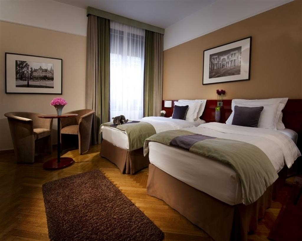 Best Western Premier Hotel Slon - Comfort Two Twin Bed Guest Room