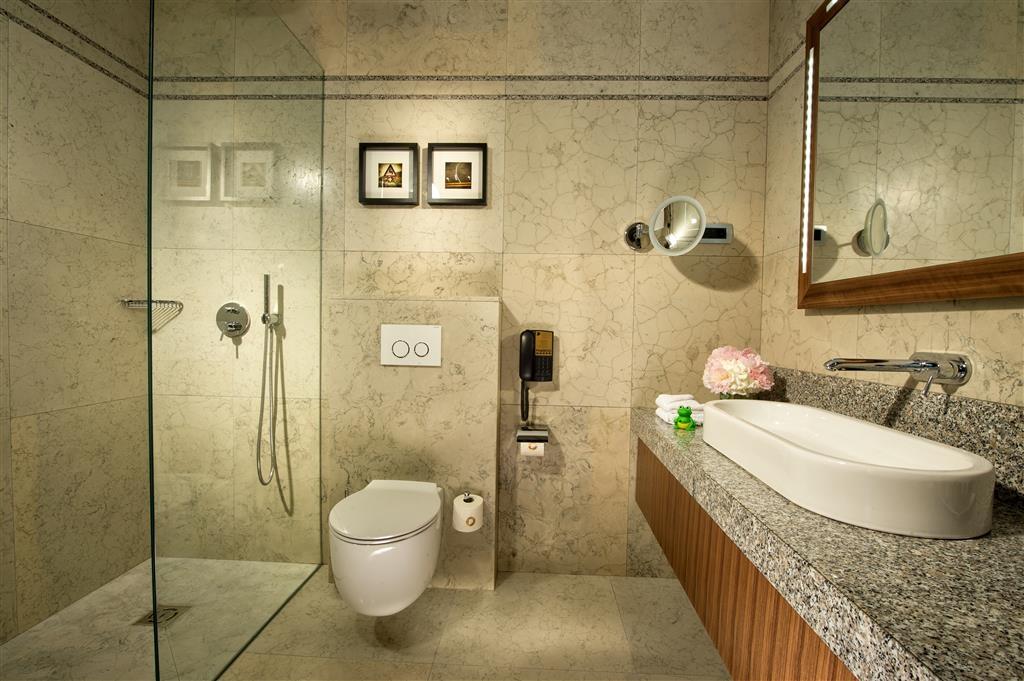 Best Western Premier Hotel Slon - Baño