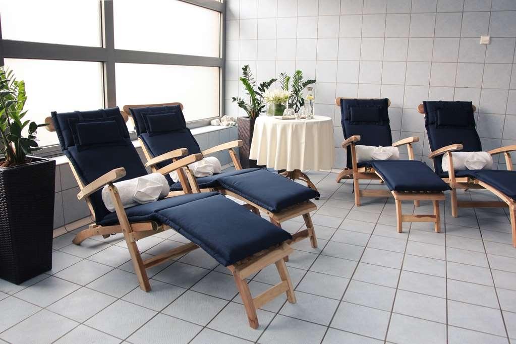 Best Western Premier Hotel Lovec - Poolansicht