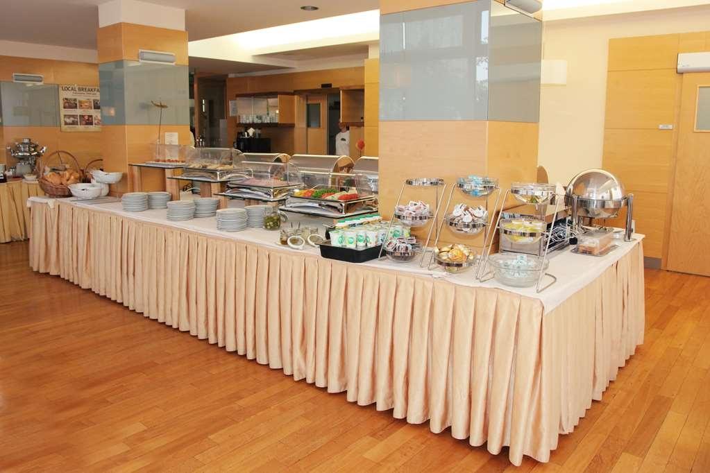 Best Western Premier Hotel Lovec - Frühstücksbuffet