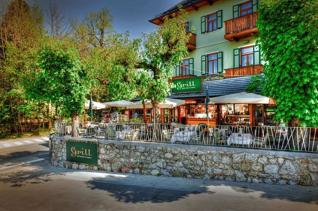 Best Western Premier Hotel Lovec - Außenansicht