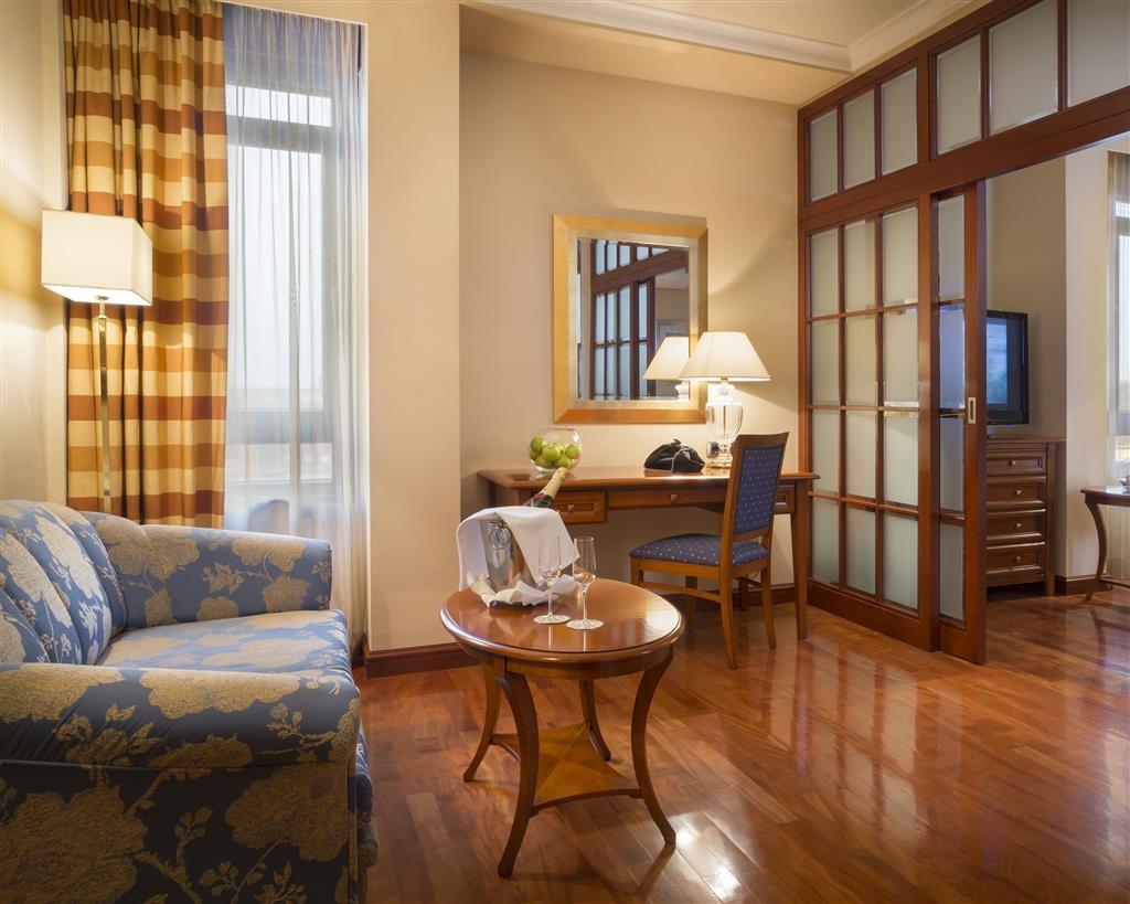 Best Western Premier Hotel Astoria - Gästezimmer