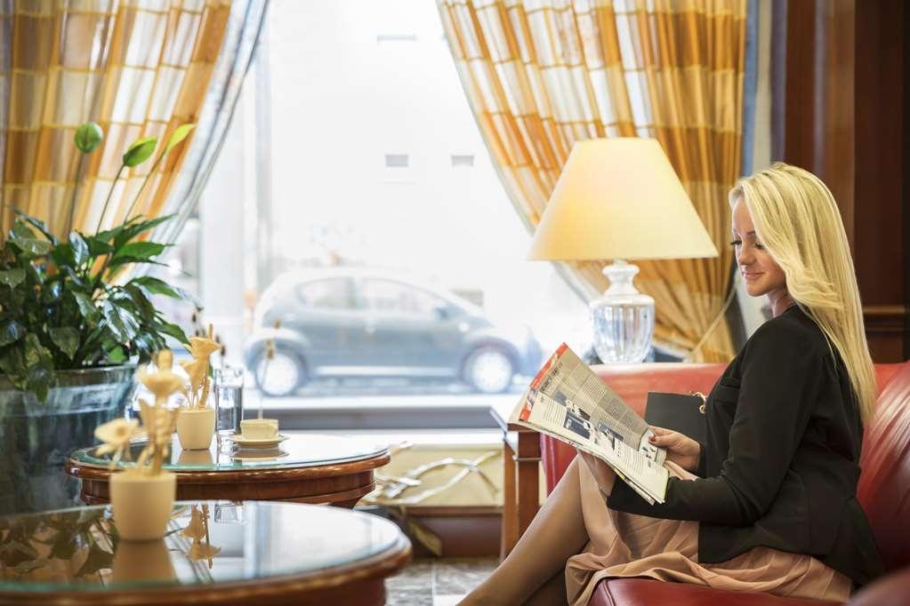 Best Western Premier Hotel Astoria - Vista del vestíbulo