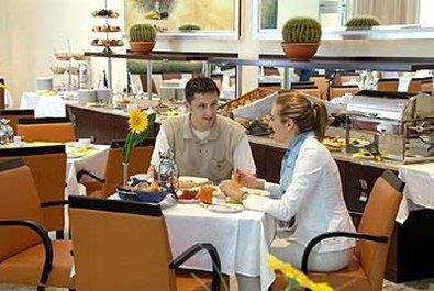 Best Western Premier Montenegro - café
