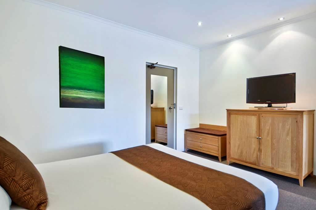 Best Western Geelong Motor Inn & Serviced Apartments - Habitación con cama de matrimonio grande