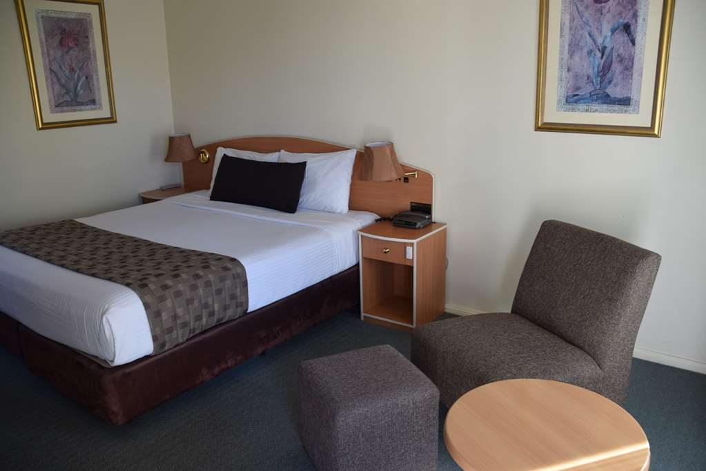 Best Western Coachman's Inn Motel - Luxurious pillow top king bed. All windows double glazed, LCD Tv, Free Foxtel, FREE wireless internet.