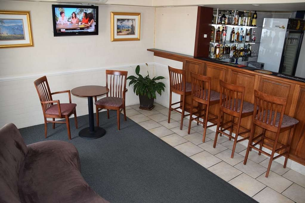 Best Western Coachman's Inn Motel - Cobb & Co Bar