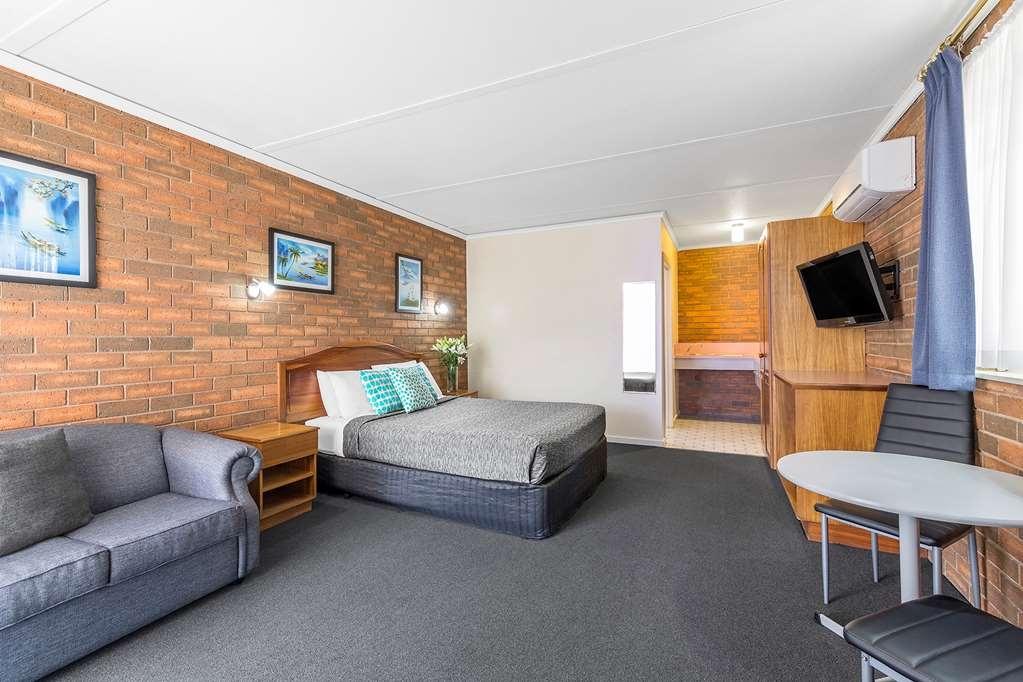 Best Western Cathedral Motor Inn - Best Western Cathedral Motor Inn - Standard Queen Room