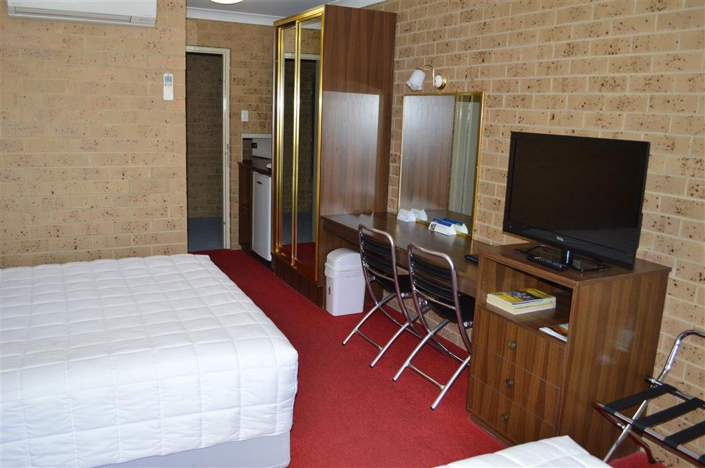 Best Western Tamworth Motor Inn - Queen and Single Room