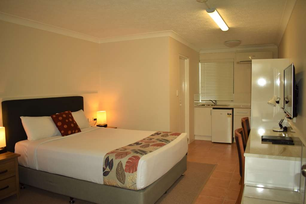 Best Western Parkside Motor Inn - Queen Room