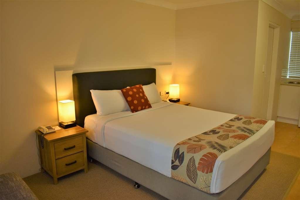 Best Western Parkside Motor Inn - Queen Beds