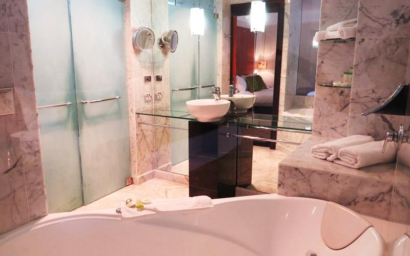 Best Western Plus Goulburn - King Spa Suite Bathroom