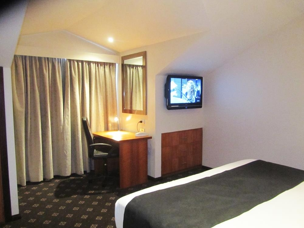 Best Western Plus Goulburn - 2 Bedroom Apartment-King Bedroom
