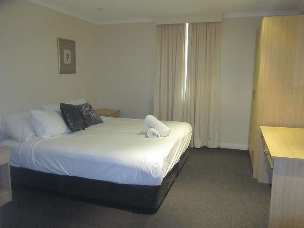 Best Western Plus Goulburn - 3 Bedroom House Bedroom option