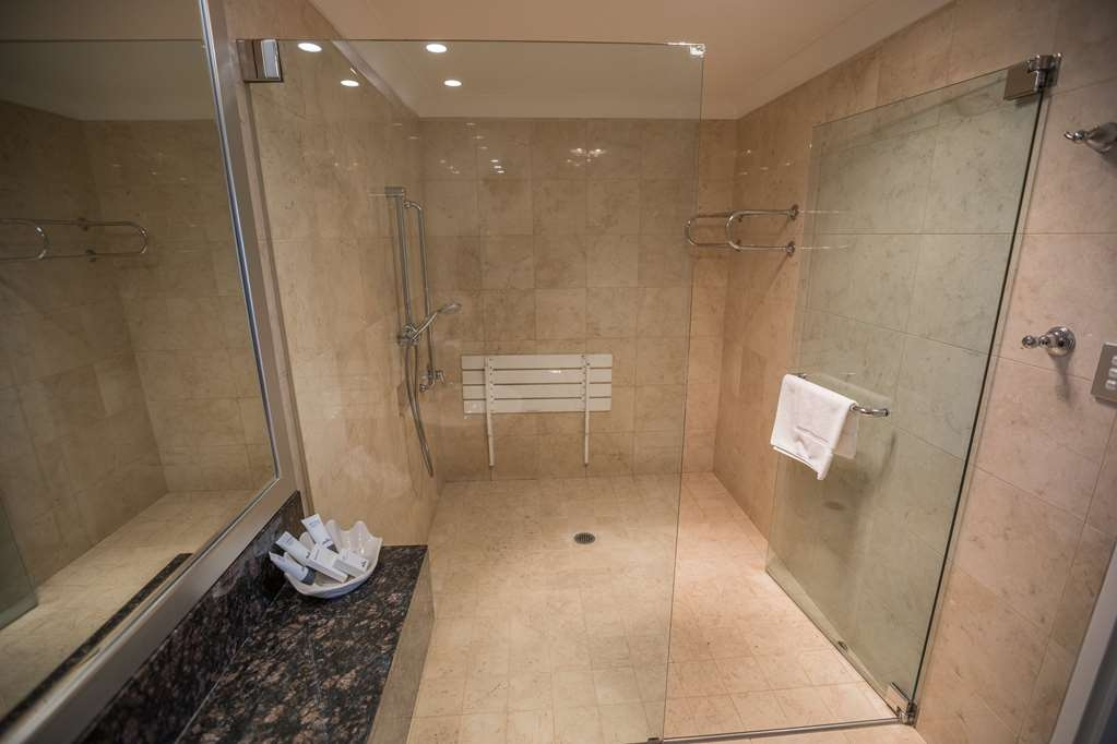 Best Western Plus Goulburn - Special Facilities Bathroom