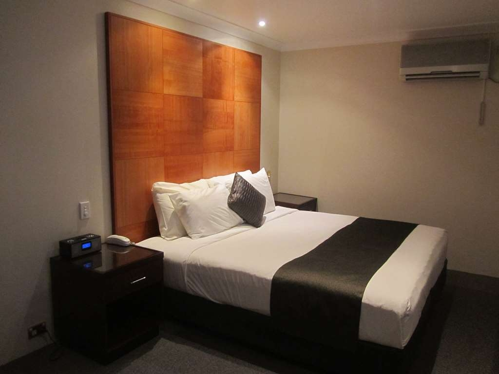 Best Western Plus Goulburn - 2BR Spa Suite Option