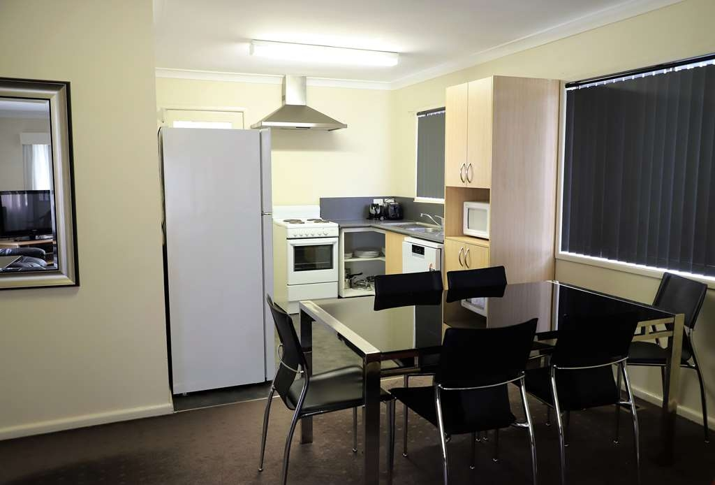 Best Western Plus Goulburn - 3 Bedroom House Kitchen option