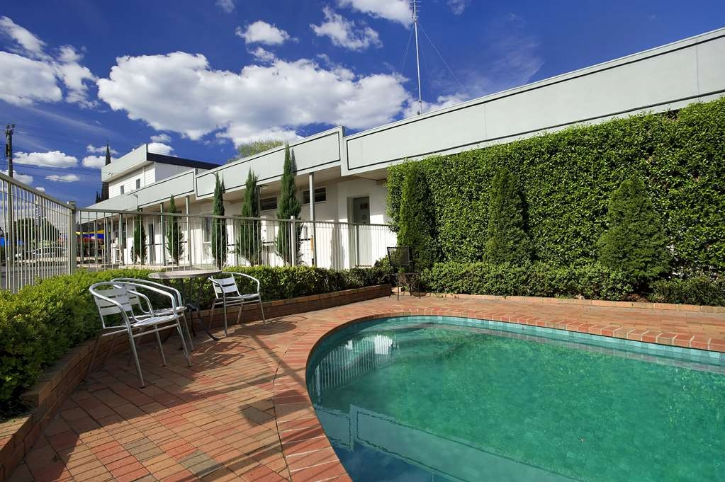 Best Western Admiralty Motor Inn - Outdoor Swimming Pool