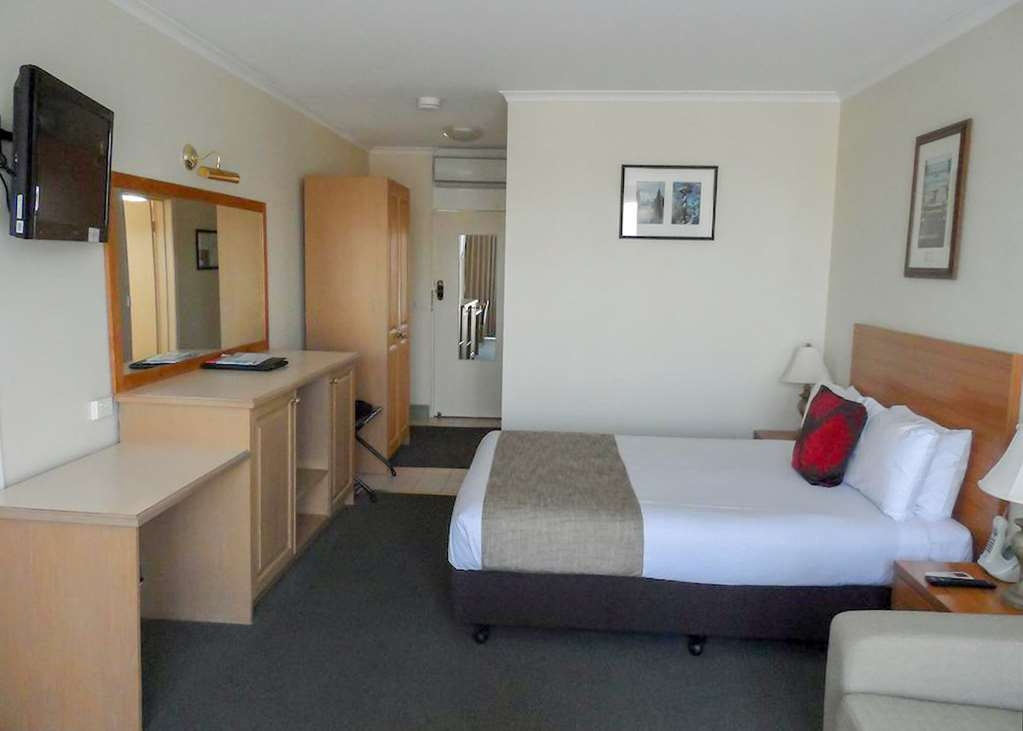 Best Western Admiralty Motor Inn - Guest Room